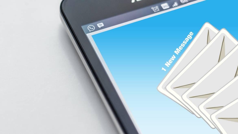 Nuovi tentativi di phishing: l'Agenzia raccomanda di cestinare le false mail senza aprirle